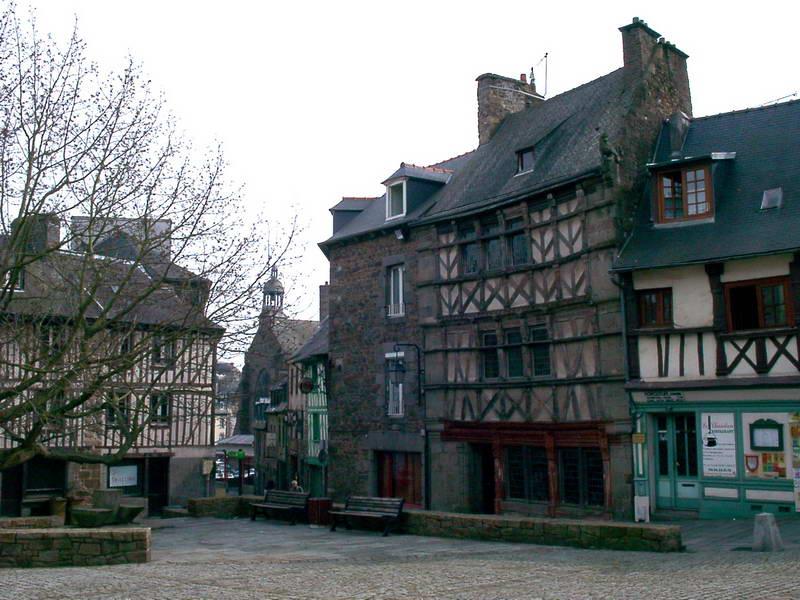 Maisons anciennes à Saint Brieuc dans Bretagne St-Brieuc252_redimensionner