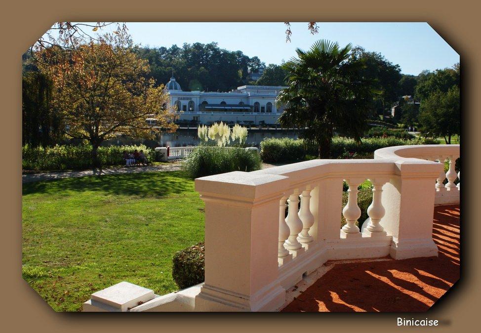 binicaise balcon sur le lac. Black Bedroom Furniture Sets. Home Design Ideas