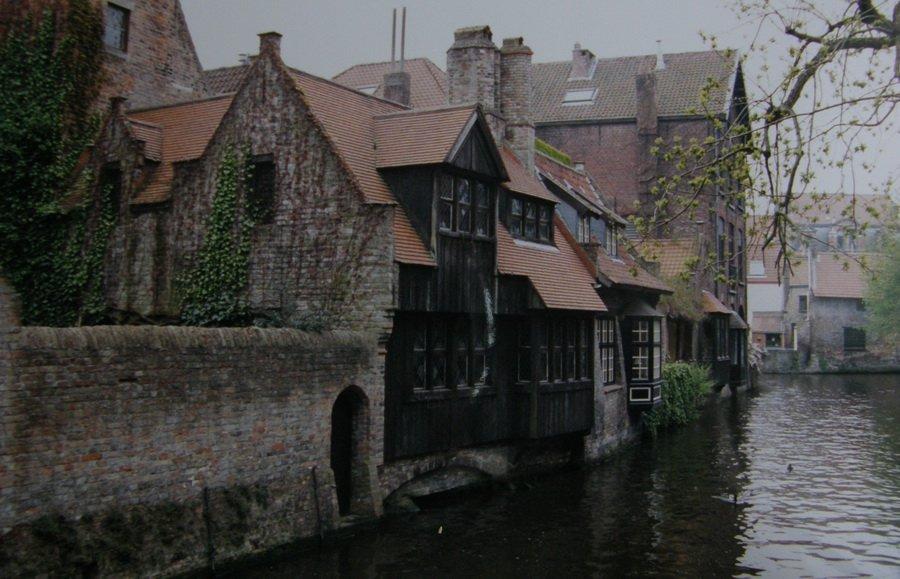 Bruges les canaux . dans Paysages urbains et autres Bruges-04