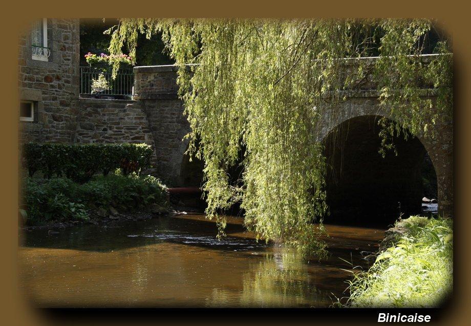 Le petit pont de pierre. dans Bretagne Le-peit-pont-de-pierre