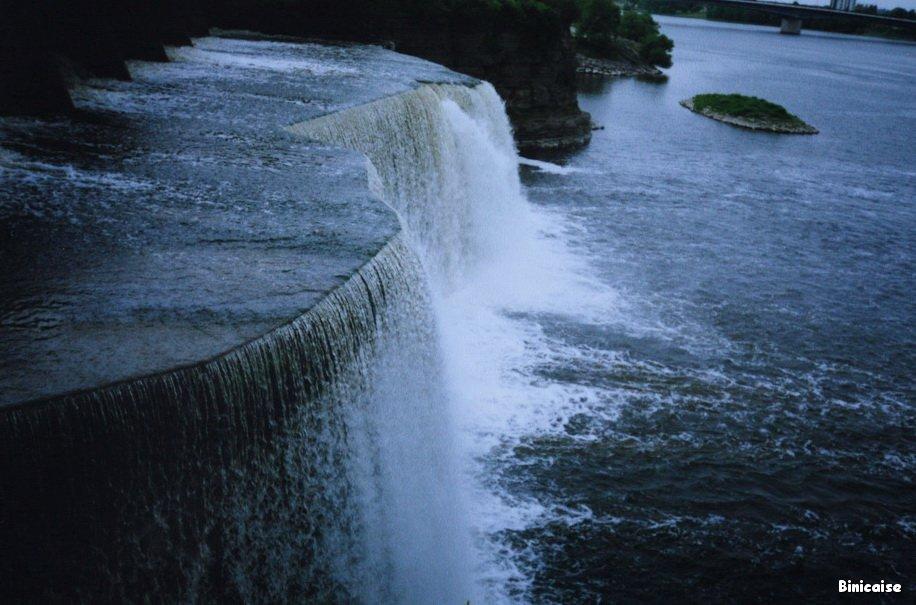 Canal Rideau, chute. dans Canada Chute-du-canal-Rideau-01