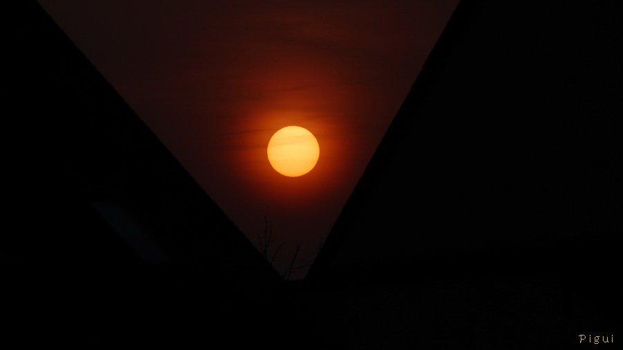 Soleil couchant. dans Bretagne Coucher-de-soleil-le-25-03-2012