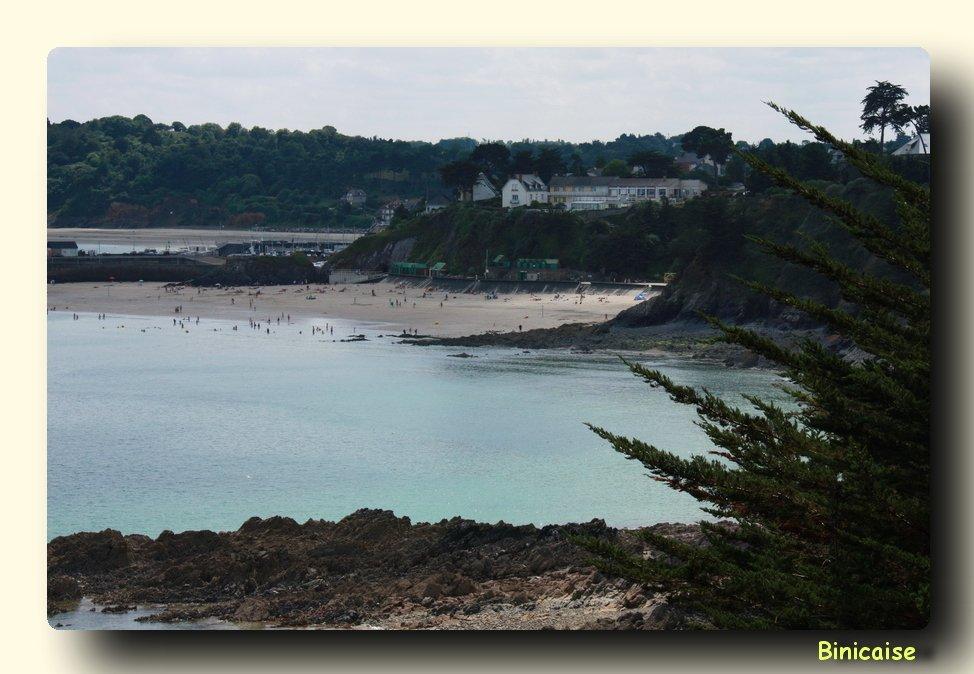 Plage de l'avant port à Binic dans Bretagne IMG_6044c