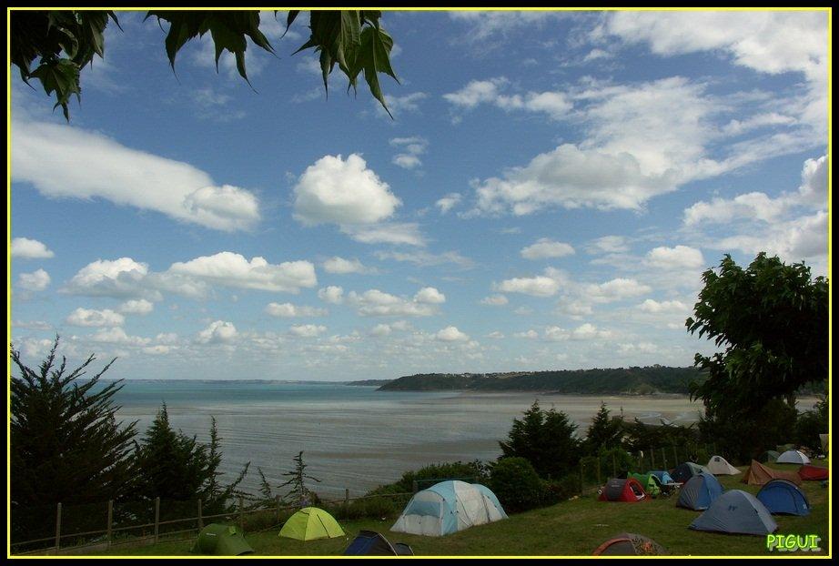 Camping au bord de l'eau. dans Bretagne Camping-au-bord-de-leau