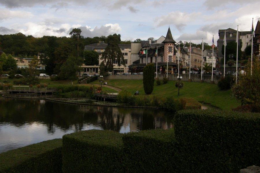 Bagnoles et son lac. dans Normandie Lac-Bagnoles-03