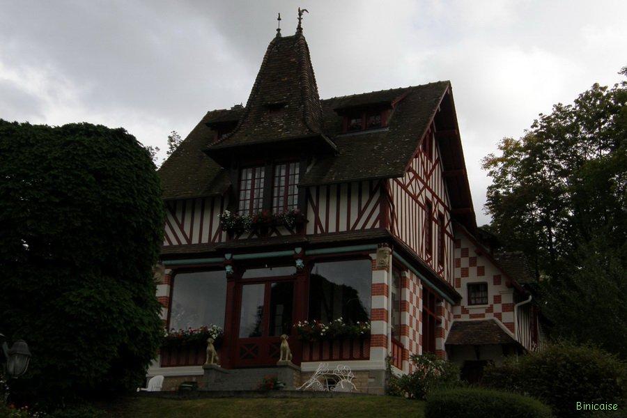 Les belles villas de Bagnoles . dans Normandie belle-villa-22_redimensionner