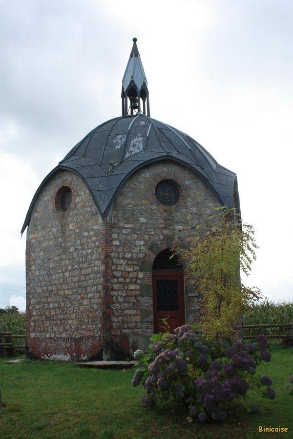 Chapelle octogonale de la Pesnière. dans Normandie champsecret-02_redimensionner