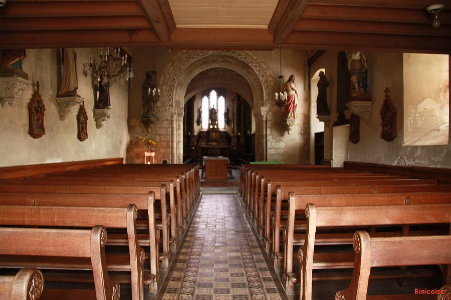 Intérieur de l'église romane de St Remy. dans Normandie st-remy-eglise-03