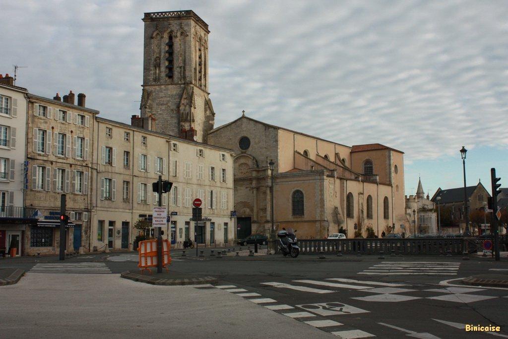 Quartier de l'Eglise Saint Sauveur. dans La Rochelle eglise-saint-sauveur-15