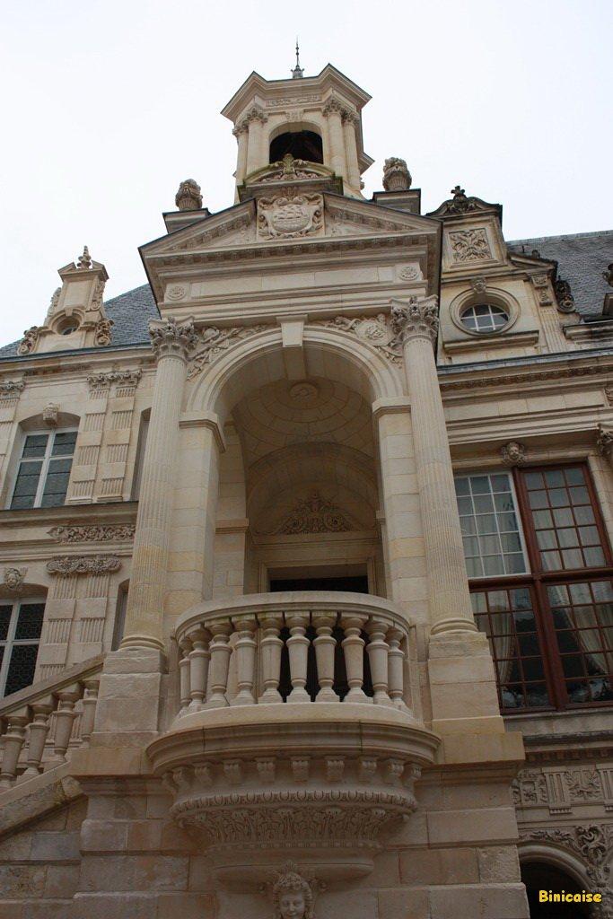 Cour intérieure de l'hotel de ville . dans La Rochelle hotel-de-ville-cour-interieure-01
