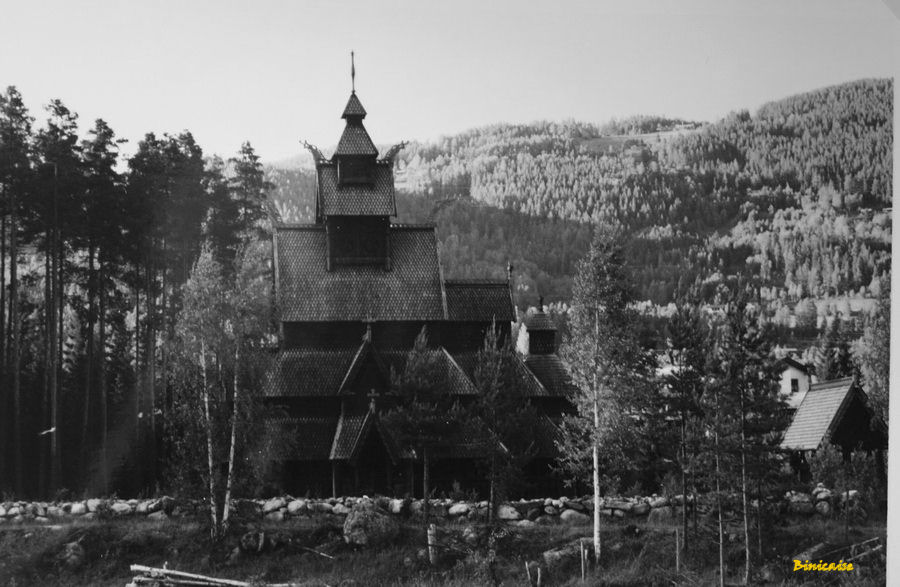Eglise de bois en Norvège . dans Photos eglise-de-bois-bis-