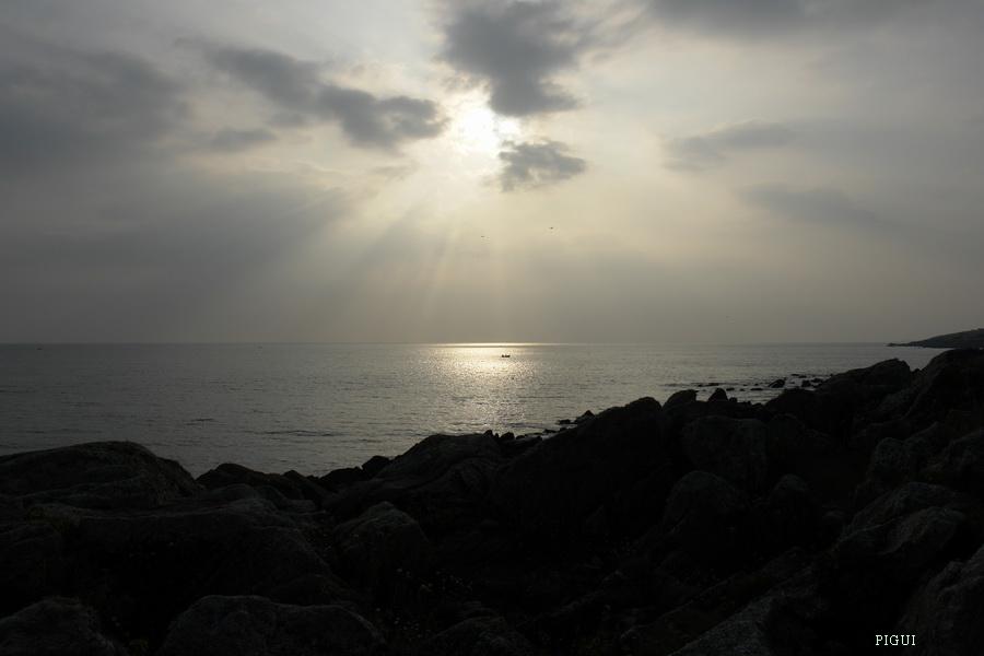 Soleil  couchant dans Bretagne finistere