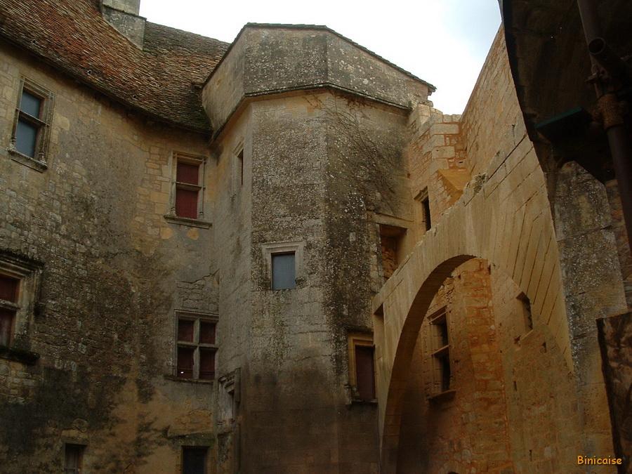 1-chateau-de-biron24_redimensionner