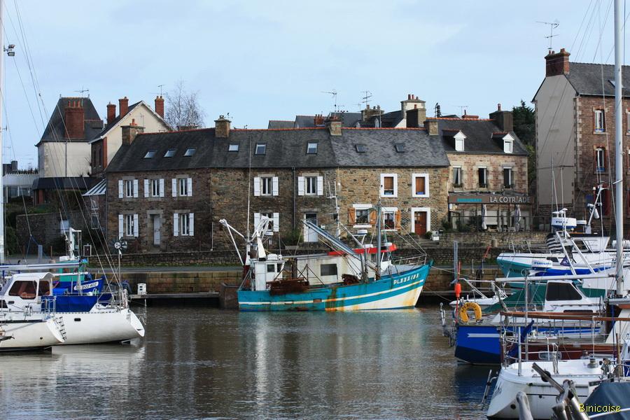 Paimpol le port et les quais . dans Bretagne paimpol-03_1