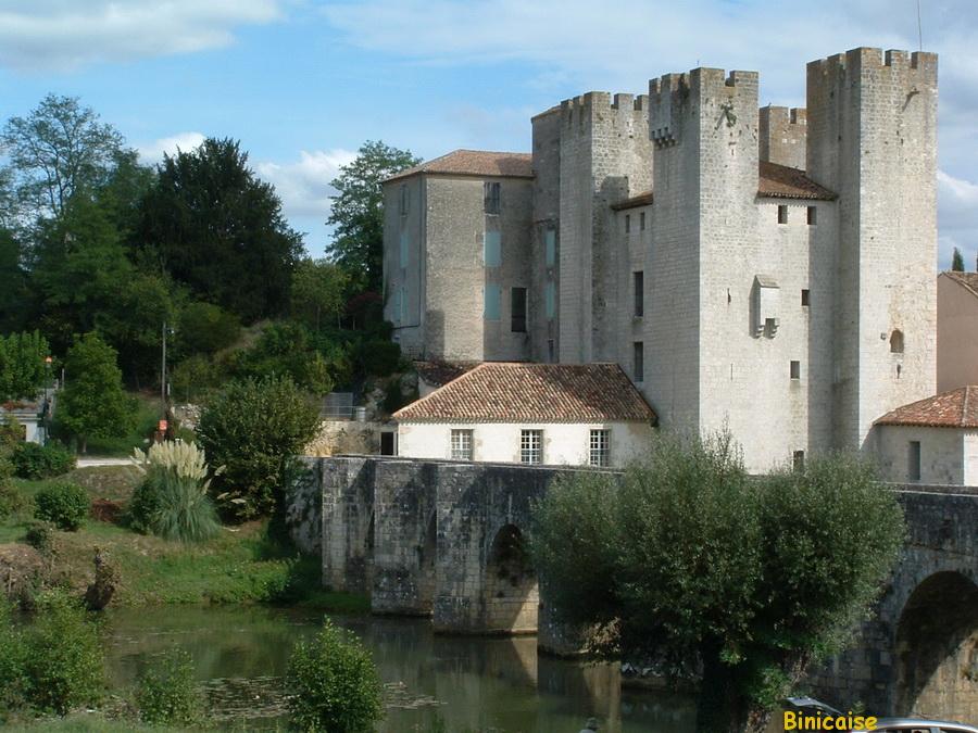 Moulin des tours à Barbaste. dans Paysages urbains et autres moulin-des-tours-barbaste