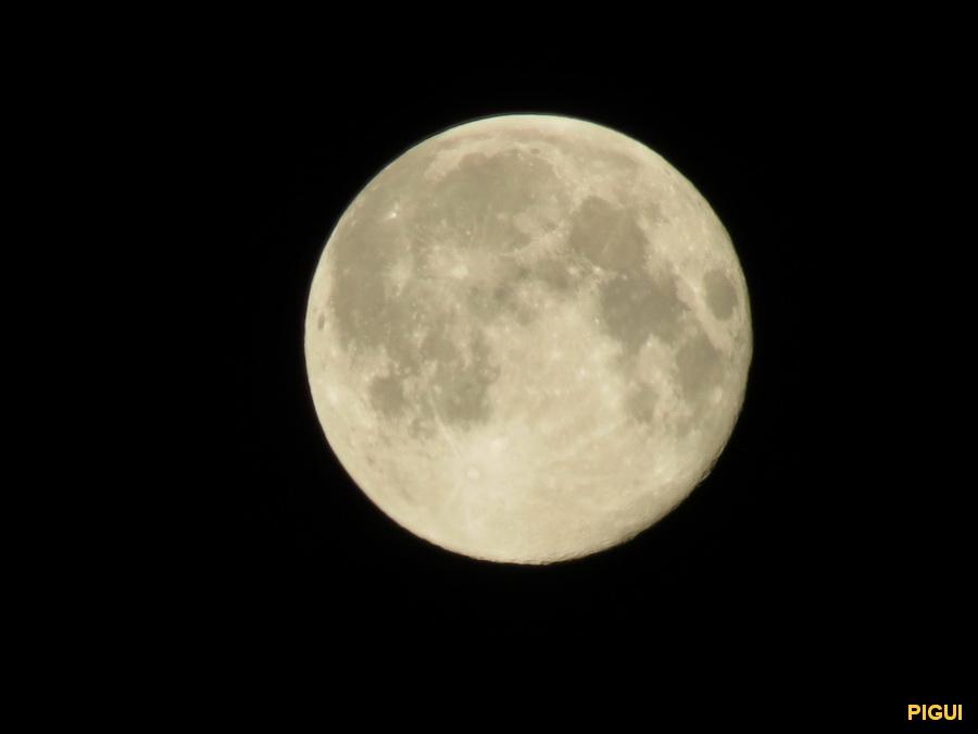 Pleine lune dans Autres photos img_8146_redimensionner