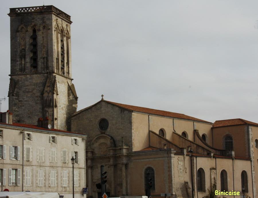 Eglise St Sauveur. dans La Rochelle eglise-saint-sauveur