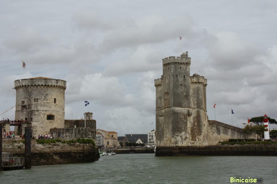 les-tours-cote-mer Les tours de la Rochelle dans Photos