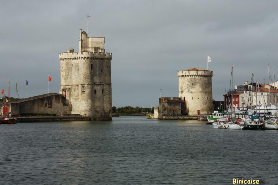 Les tours de la Rochelle . dans La Rochelle les-tours