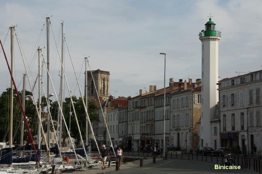 Phare dans la ville. dans La Rochelle phare-dans-la-ville