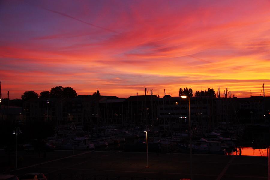 Coucher de soleil sur le port. dans Charentes Maritimes coucher-de-soleil