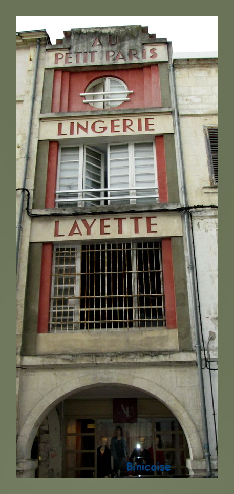 Ancienne enseigne de La Rochelle . dans Charentes Maritimes enseigne-ancienne-