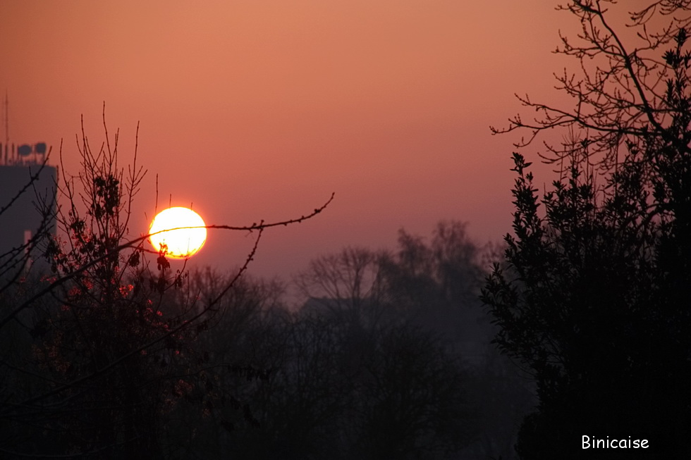 Soleil rouge bis