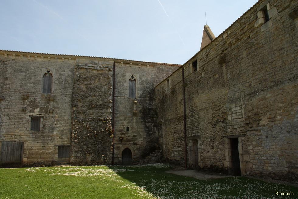Abbaye de Maillezais 11