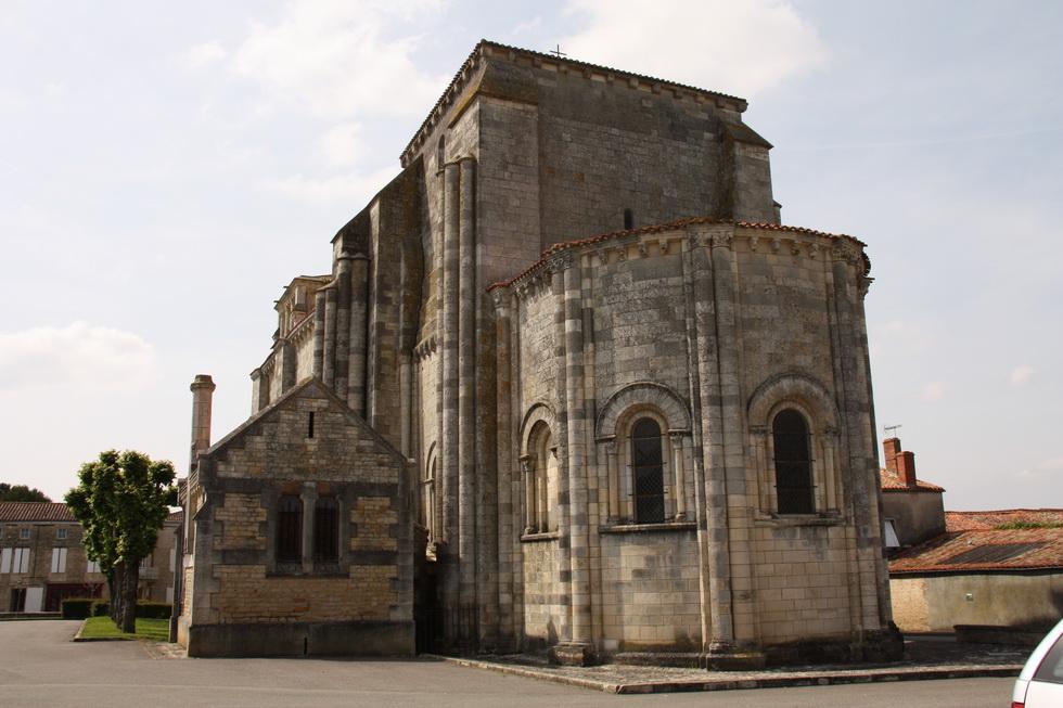 Eglise St Nicolas de Maiillezais 02