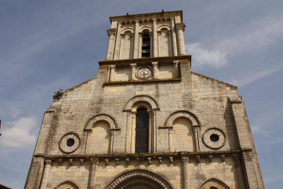Eglise St Nicolas de Maiillezais 04