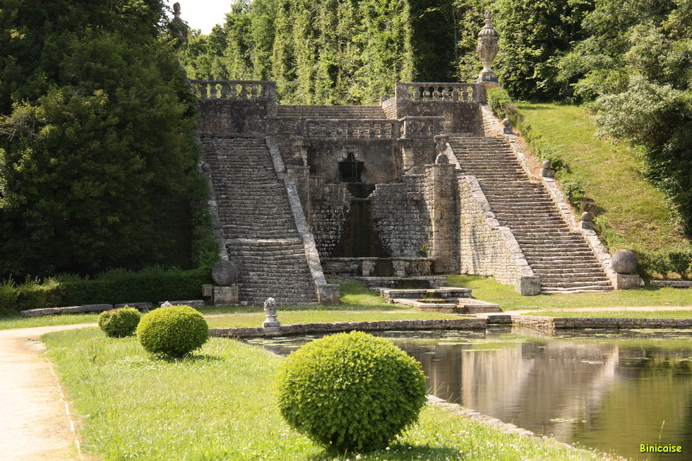 Chateau de la Roche Courbon 10